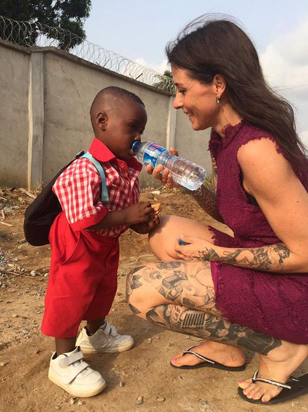 nigerian-starving-thirsty-boy-first-day-school-anja-ringgren-loven-7