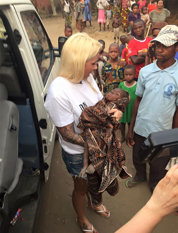 nigerian-starving-thirsty-boy-first-day-school-anja-ringgren-loven-2