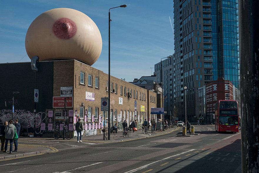 giant-inflatable-breast-breastfeeding-london-18
