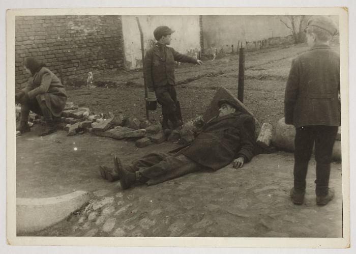 1940-1944: A Sick Man On The Ground