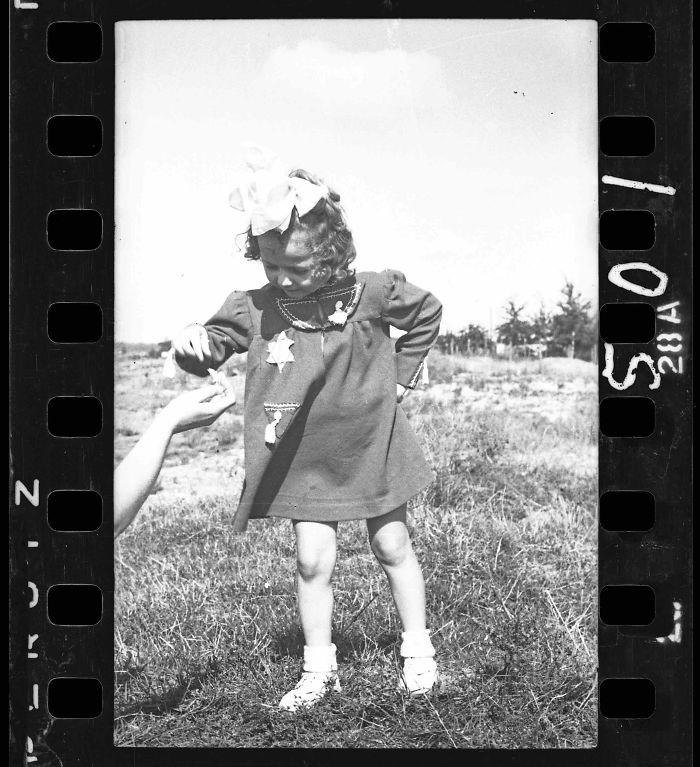 1940-1944: Young Girl