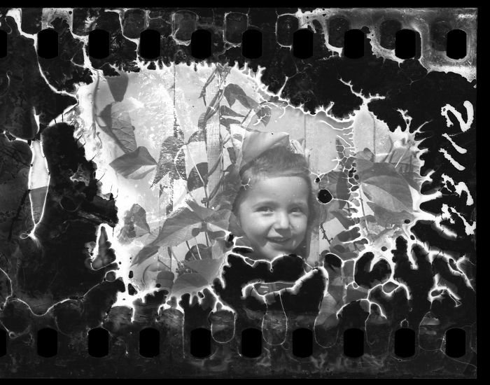 1940-1944: A Smiling Child