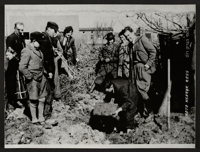 1945: Henryk Ross' Excavating His Hidden Box Of Negatives And Documents From The Lodz Ghetto