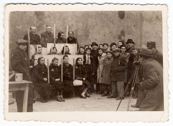1940: Henryk Ross Photographing For Identification Cards, Jewish Administration, Department Of Statistics
