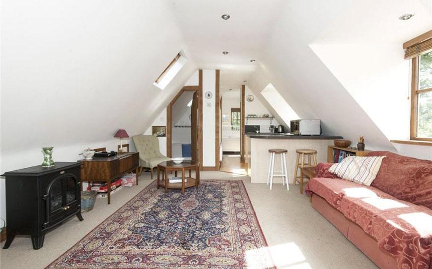 uk-smallest-castle-for-sale-mollys-lodge-3